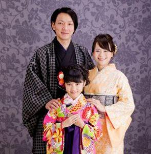 七五三の家族写真はフォーマル