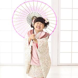 和傘を持っている女の子