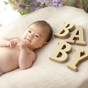 赤ちゃんとBABYの文字